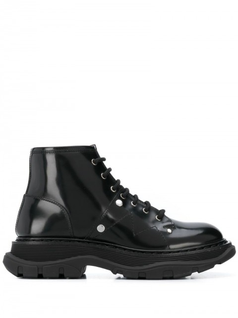 Alexander McQueen - Tread lace-up boots - women - Leather/Rubber - 36, 36.5, 37, 38, 38.5, 39, 40, 39.5, 41, 37.5, 35 - Black