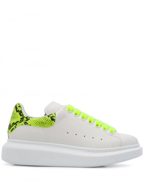 Alexander McQueen - Oversized low-top sneakers - women - Leather/Rubber - 35, 35.5, 36, 36.5, 37, 37.5, 38, 38.5, 39, 39.5, 40, 41 - White