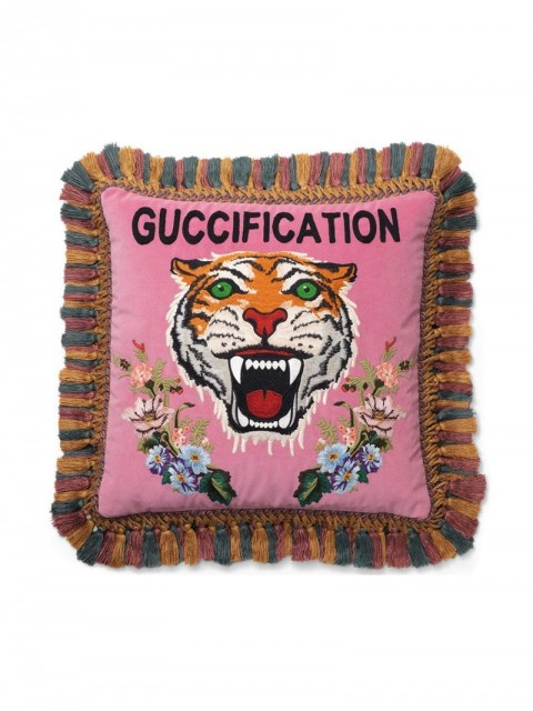 Gucci - tiger embroidered velvet cushion - unisex - Feather/Polyester - One Size - PINK
